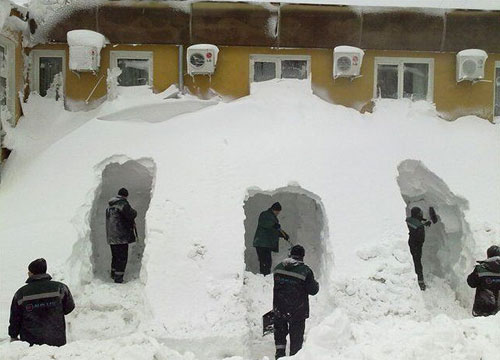 Digging Snow Tunnels