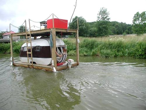 Travel Trailer Houseboat