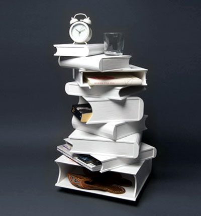 Accent Table In The Design Of Stacked Books