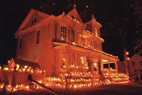 halloween jack o lantern house - Halloween Decorated House
