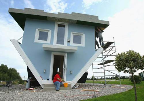 Upside Down House by Klaudiusz Golos & Sebastian Mikiciuk